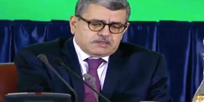Algérie Abdelaziz Djerad pleure