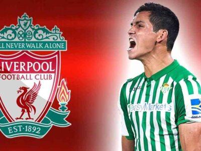 Algérien Aissa Mandi Liverpool